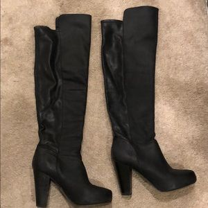 *STEVE MADDEN OVER THE KNEE BOOTS SIZE 6.5*
